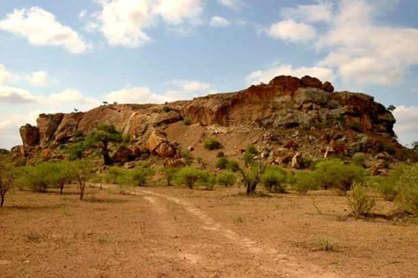 Mapungubwe Hill as it appears today. JJ van Zyl/GFDL,