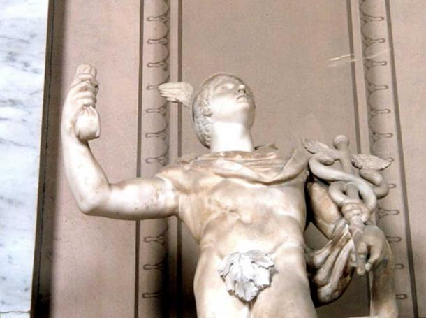 Marble statue of Mercury in the Vatican collection. The fig leaf is a later addition. (CC BY-SA 3.0)
