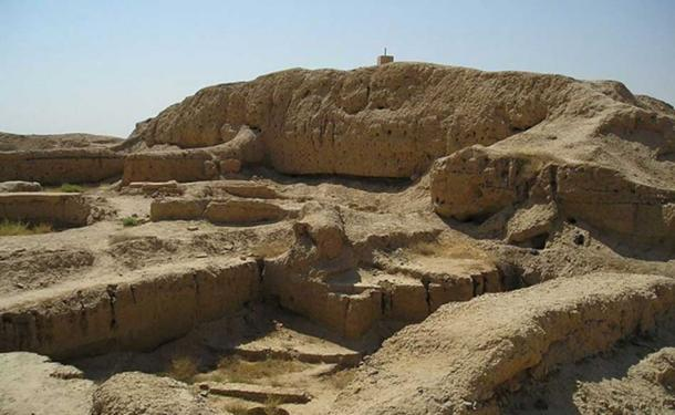 Mari, Syria - A ziggurat near the palace