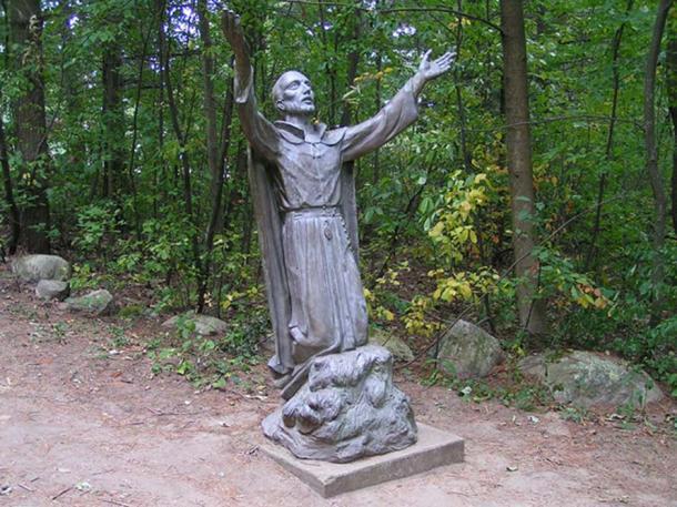 Martyrs' Shrine, Midland, Ontario, Canada. Statue of Jean de Brébeuf. (Tango7174/CC BY SA 4.0)