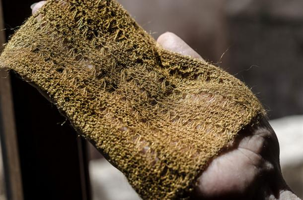 Material produced from sea silk by Chiara Vigo