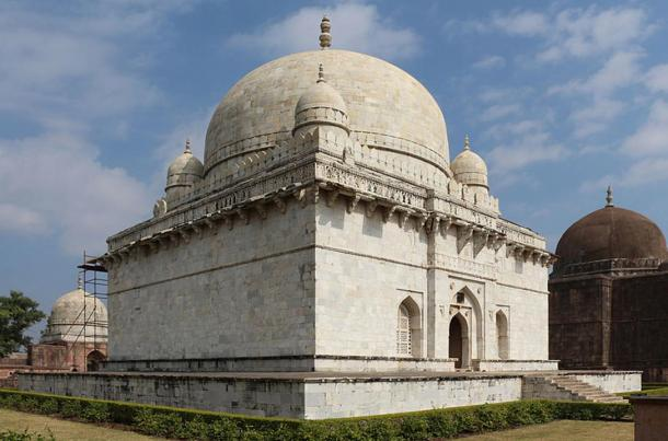 The Mausoleum of Hoshang Shah, Mandu, India. Some have suggested that it served as a template for the construction of the Taj Mahal.