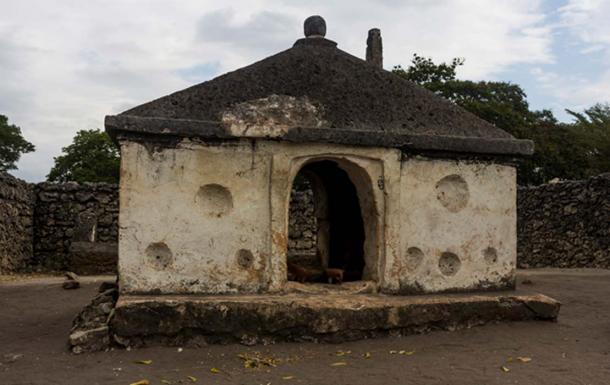 Mausoleum of Kaole (CC BY 3.0)