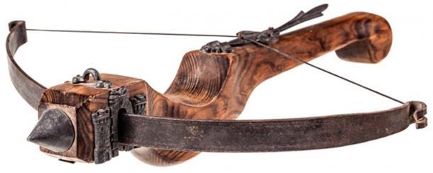 Medieval Crossbow. (Dario Lo Presti / Adobe)