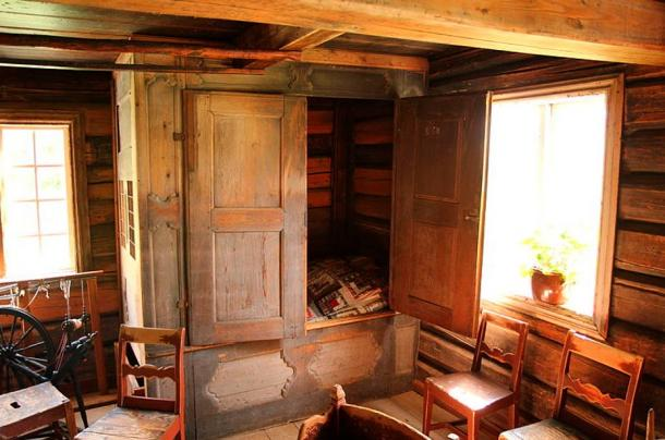 A Medieval box bed was generally a bed enclosed in a cupboard or closet