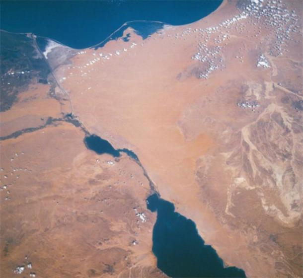 One of the Mediterranean Sea's 'choke points' is the Isthmus of Suez, dissected by the Suez Canal on Sinai Peninsula, Egypt. (Here seen from the Apollo 7). (NASA / Public Domain)