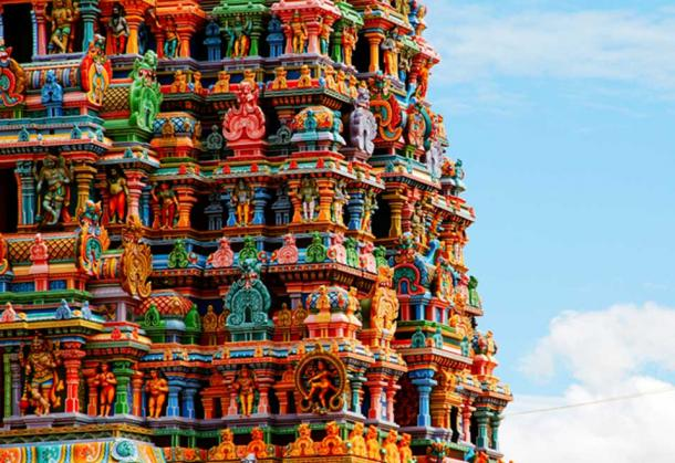 Details of the spectacular Meenakshi Amman Temple in Madurai