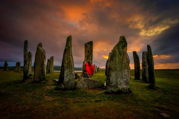 Megalithic sites in Ireland can be linked with prophetic women