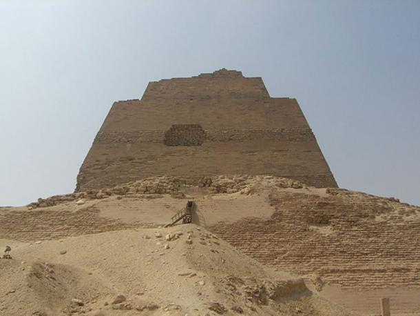 Meidum pyramid. (Public Domain)