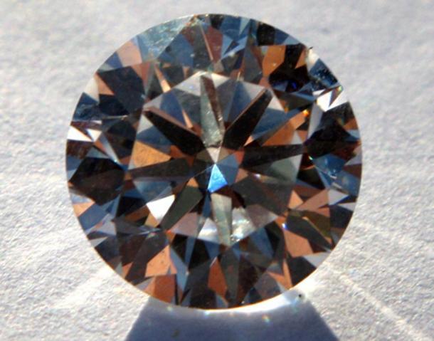 'Memorial diamonds' are human remains turned into a diamond. (roger blake / CC BY-SA 2.0)