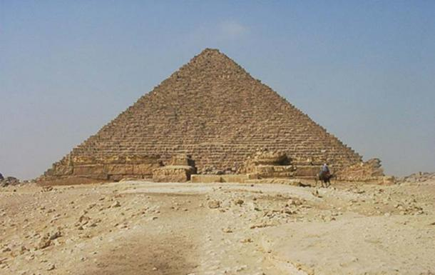 Menkaura pyramid, the smallest of the three great pyramids of Giza (CC BY-SA 2.0)