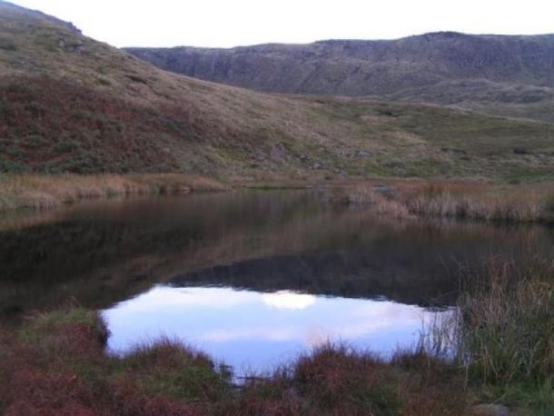 Mermaid's Pool near Kinder Scout in Derbyshire. (Dave Dunford/CC BY SA 2.0)