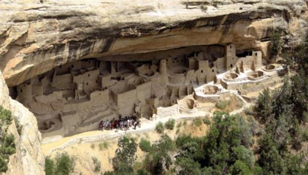 The Cliff Dwellings of Mesa Verde