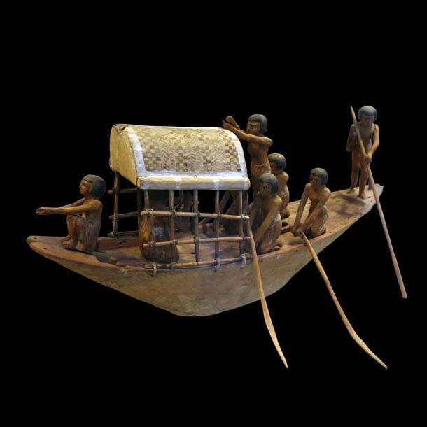 Un bateau miniature de l'Égypte ancienne de 2000 av. C. qui semble être un jouet ancien, mais qui était en fait une représentation de la traversée des eaux de l'autre côté. Mais les navires jouets étaient probablement aussi des jouets en Égypte, mais nous ne le saurons peut-être jamais avec certitude. (Succursale / CC BY-SA 3.0).