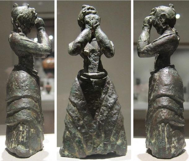 Minoan girl, c. 1600-1500 BCE, bronze, Minoan, Crete, Cleveland Museum of Art. Photo taken: 2012 by Wmpearl (