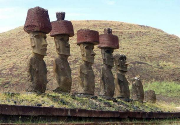 Moai statues of Easter Island with Pukao ( CC BY NC ND 2.0 )