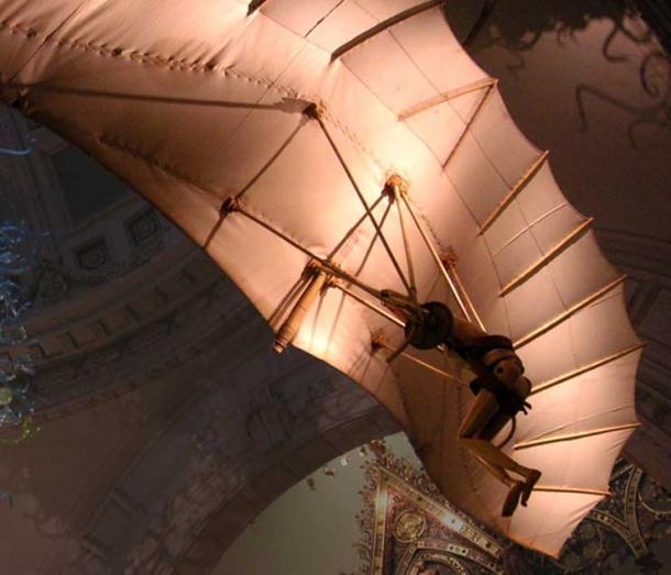 Model of one of Leonardo's flying machine designs, Victoria and Albert Museum, London, 2006. (Public Domain)
