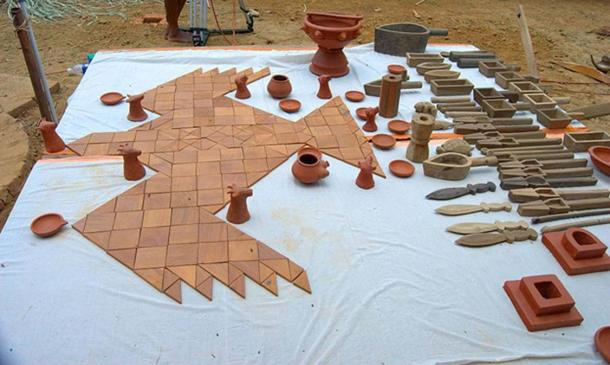 Modern replica of utensils and falcon shaped altar used for Agnicayana, an elaborate shrauta ritual originating from the Kuru Kingdom, around 1000 BC. (Arayilpdas/CC BY SA 3.0)