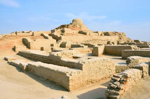 Mohenjo-daro is an ancient Indus Valley Civilization city built around 2500 BC that was abandoned after 1900 BC. (suronin / Adobe)