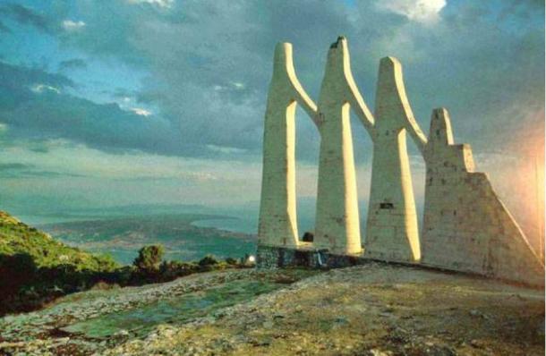 The Monument of Zalongo, Mount Zalongo, Greece