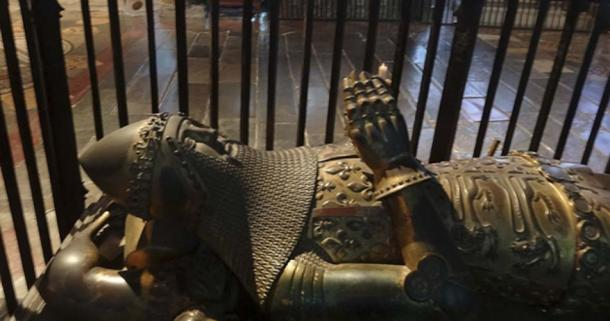 Monument to Edward, the Black Prince, in Canterbury Cathedral. Source