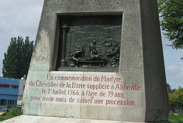 Monument for La Barre in Abbeville.