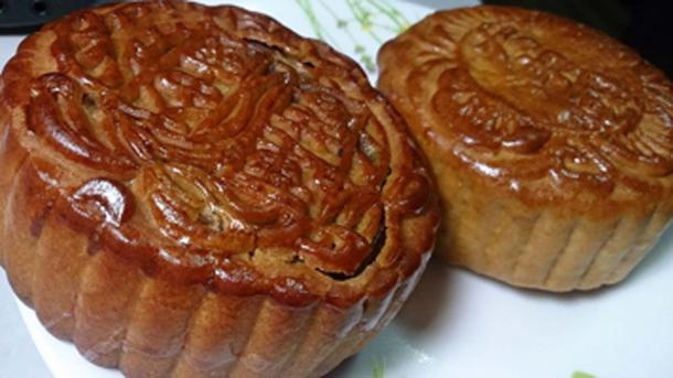 Mooncakes are part of the Chinese Mid-Autumn Festival. (ProjectManhattan / CC BY-SA 3.0)