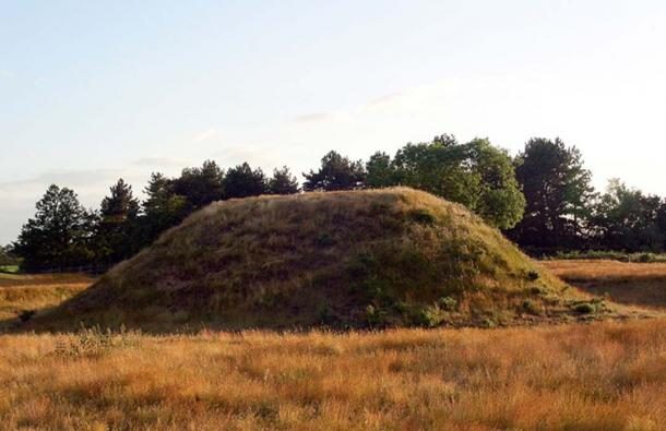 Photo of the Mound 2.