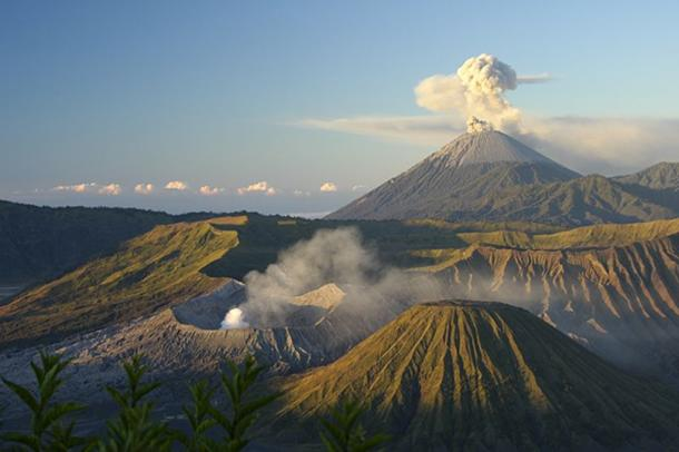 Mount Bromo, East Java, Indonesia. (CC BY 2.0)