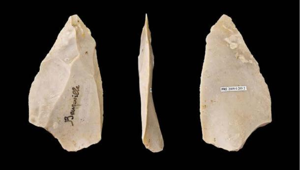 Mousterian tools made by Neanderthals.