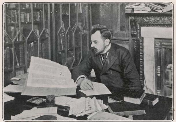 Mr. Voynich among his books in Soho Square circa 1899. (Public Domain)
