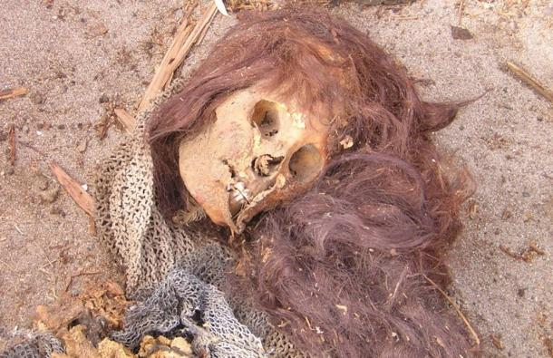 Mummy found in Caleta Vitor, Chile. Studies on human remains in the area found evidence of arsenic poisoning.
