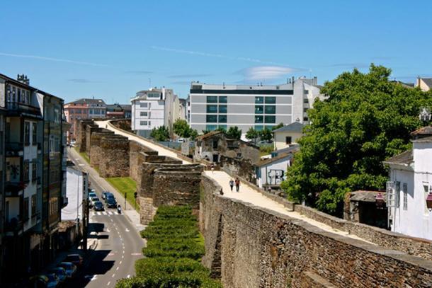 Roman wall / Muralla romana, Lugo.