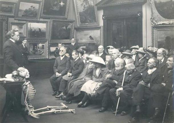 Museums were mad for skeletons around the turn of the 20th century. Tyne & Wear Archives & Museums, CC BY