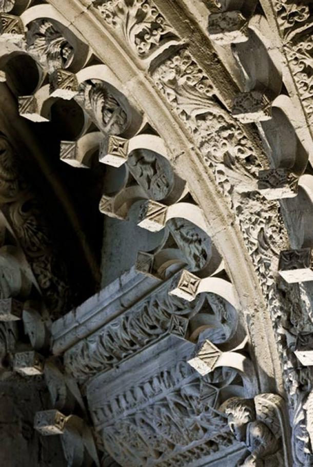 The Rosslyn Chapel Carvings: Facts, Mysteries, and
