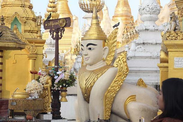 Myanmar Sphinx in Shwedagon pagoda. (CC BY-SA 3.0)