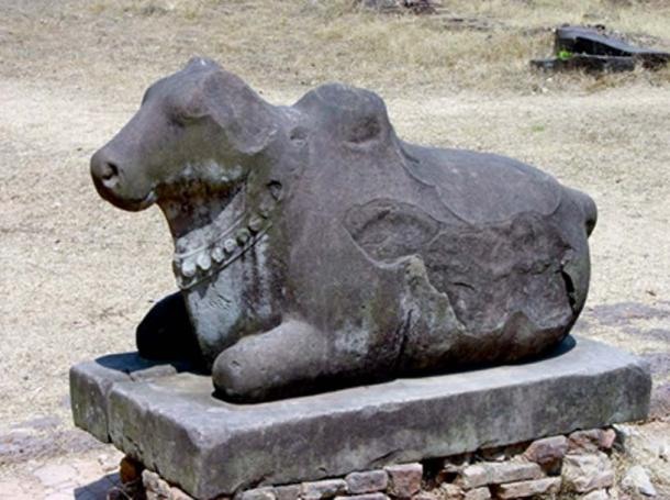Nandi (Bull), a gate-guardian deity which also serves as the mount to the god Shiva. (Ms Sarah Welch/CC BY-SA 4.0)