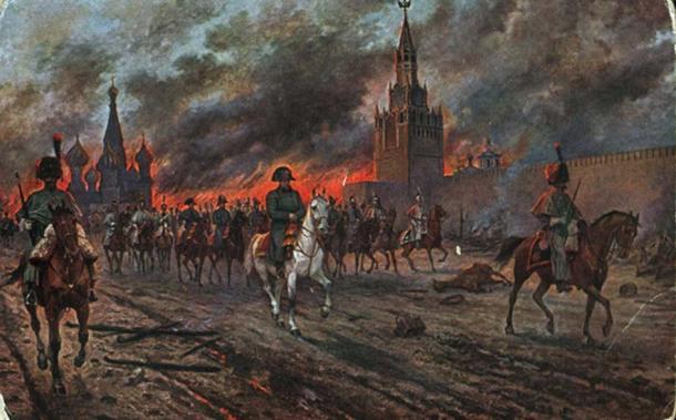 Napoleon retreating from burning Moscow 1812. (Hohum / Public Domain)