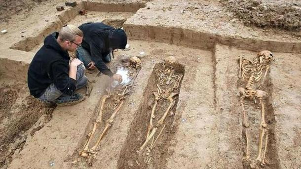 Archaeologists working on the graves of Napoleonic soldiers discovered in the German city of Frankfurt