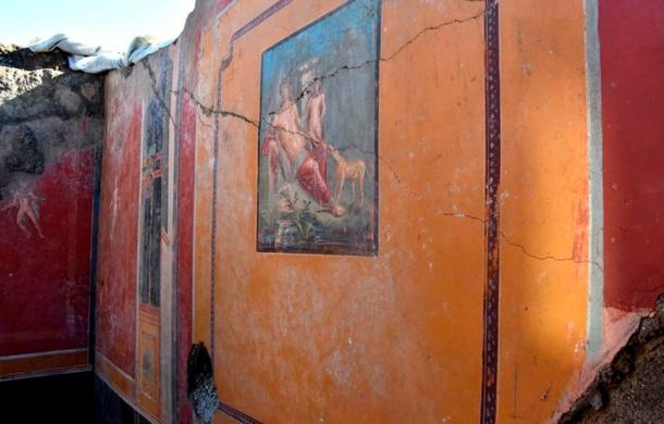 The Narcissus fresco is now almost complete and looks as if it was only painted in recent years because of its vivid colors
