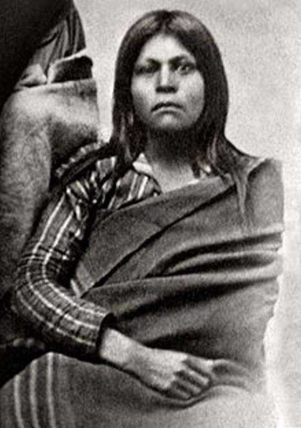 A photograph of a Native American woman, believed to be Juana Maria, of the Nicoleño tribe.