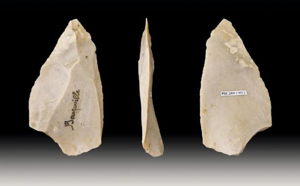Neanderthals made stone tools using the Levallois technique to make a sharp point. (Archaeodontosaurus / CC BY-SA 3.0)