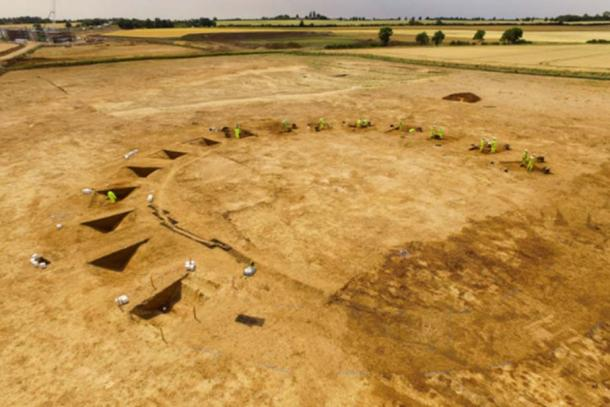 Neolithic henge monument under excavation on the A14 Cambridge to Huntingdon scheme.