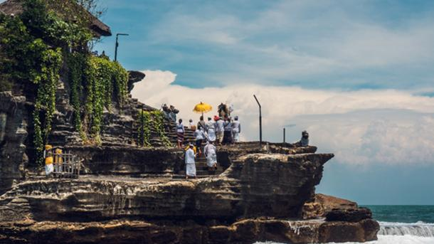 New Year celebration at Tanah Lot. (CHAO/ Adobe Stock)