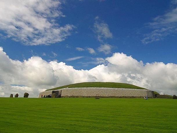 Newgrange passage tombs, a prehistoric monument in Ireland, built during the Neolithic period around 3000 BC to 2500 BC. It is older than Stonehenge or the Giza Pyramids.