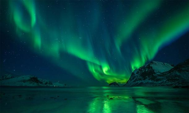 The Northern Lights are beautiful but also dangerous for ship navigation. (Felix Pergande / Adobe Stock)