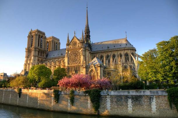 Notre Dame Cathedral, Paris (XtravaganT / Adobe Stock)