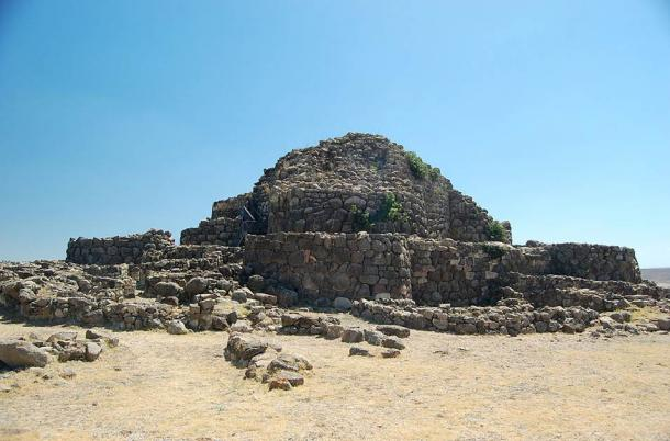 17th century Nuraghe Su Nuraxi, in the south central Barumini region of Sardinia (Ciamabue / CC BY 2.0)