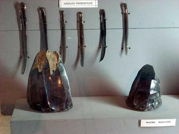 Obsidian artifacts excavated at Takalik Abaj, Retalhuleu, Guatemala. Prismatic blades and obsidian cores.