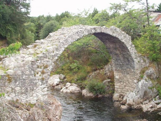 Old Pack Horse bridge in Carrbridge, Scotland.